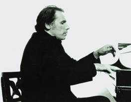 Photograph of Glenn Gould, pianist